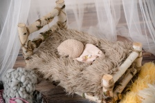 Newborn_fotograf_Kutna_Hora_foceni_miminek_rekvizity_02