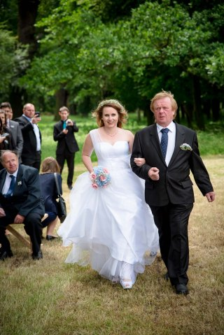 Netradicni_svatba_v_prirode_v_obore_svatebni_fotograf_Kutna_Hora06