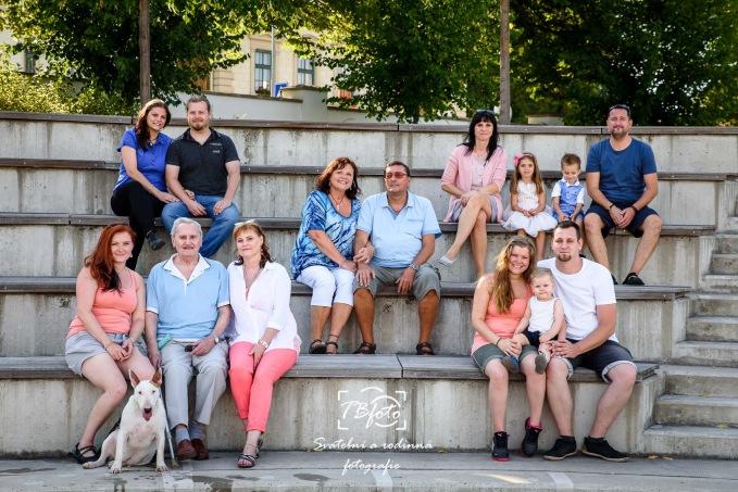 Velka_rodinna_fotografie.jpg