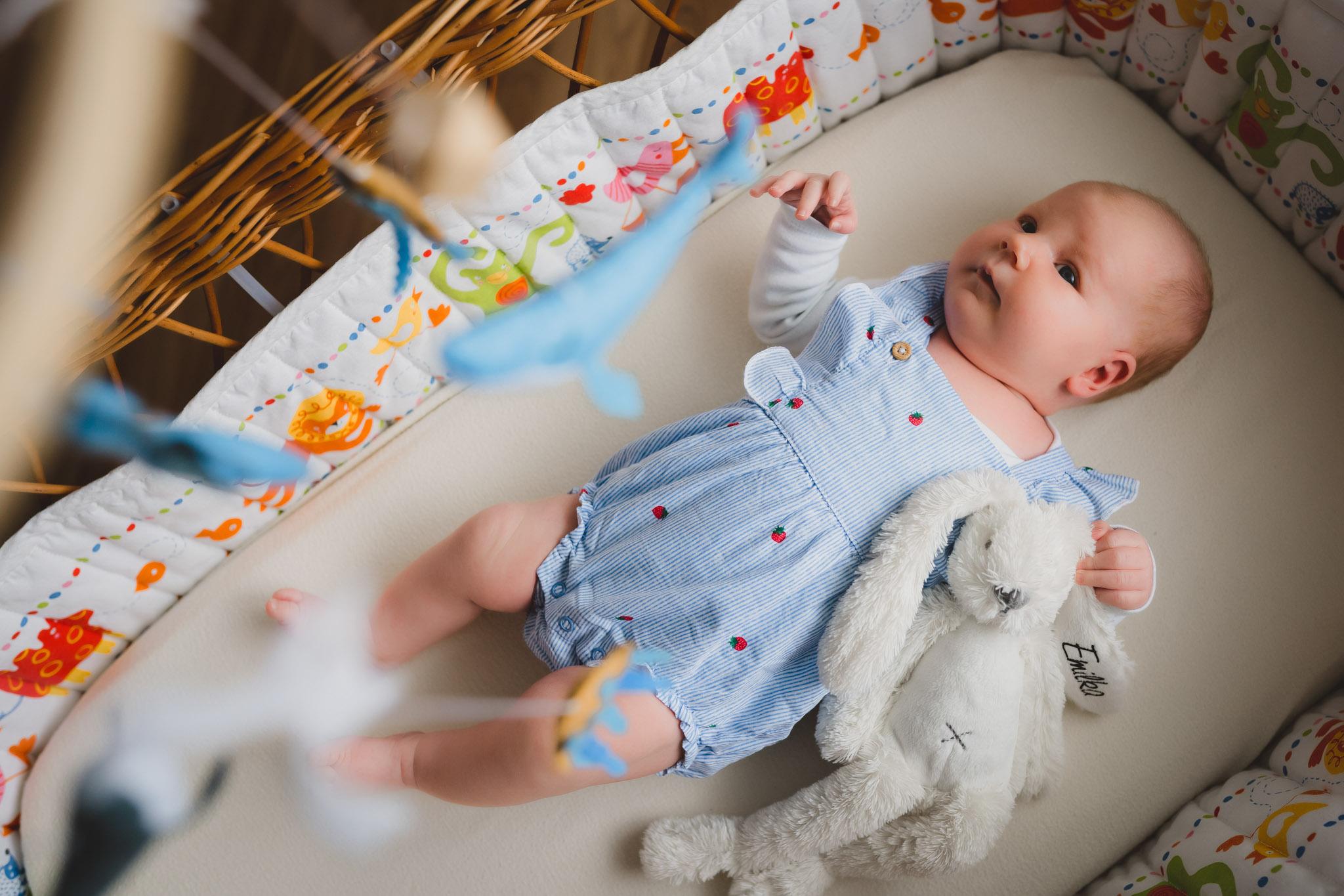 Lifestyle_newborn_foceni_mininek_v_pohodli_dom_ova005